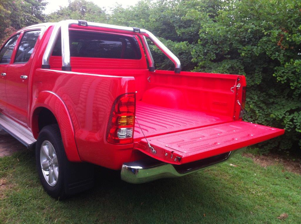 Speedliner® Spray In Bed Liner for Trucks in Red