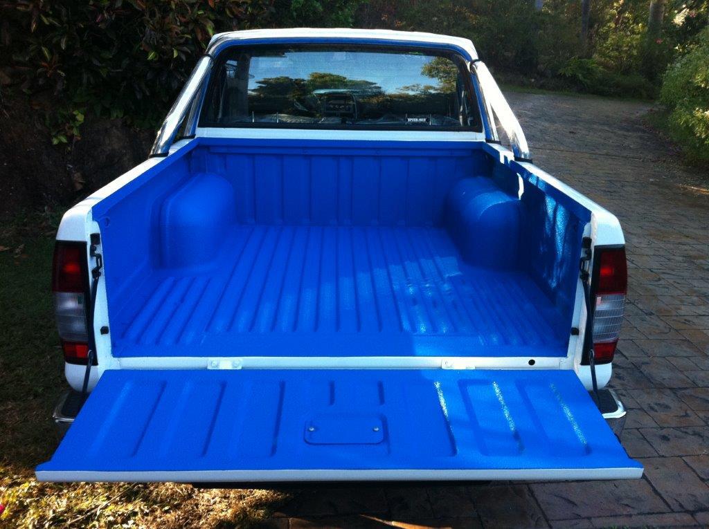 Speedliner® Spray In Bed Liner for Trucks in Medium Blue