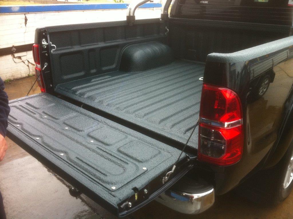 Speedliner® Spray In Bed Liner for Trucks in Charcoal Gray