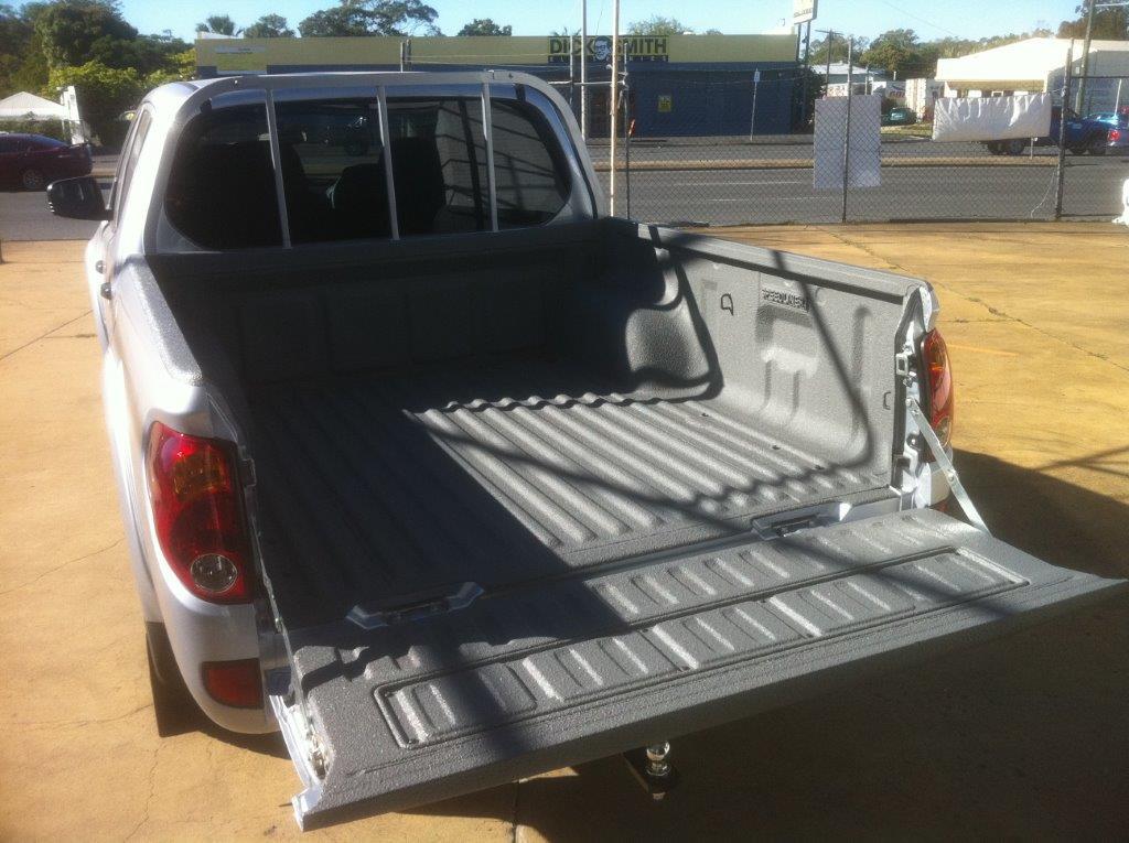 Speedliner® Spray In Bed Liner for Trucks in Dove Gray