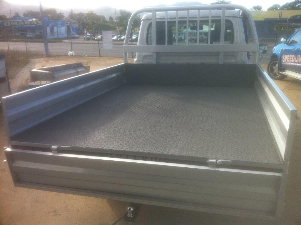 Speedliner® Spray In Bed Liner - Protects from corrosion and creates a non-slip surface